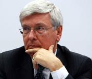 Il ministro Paolo Romani