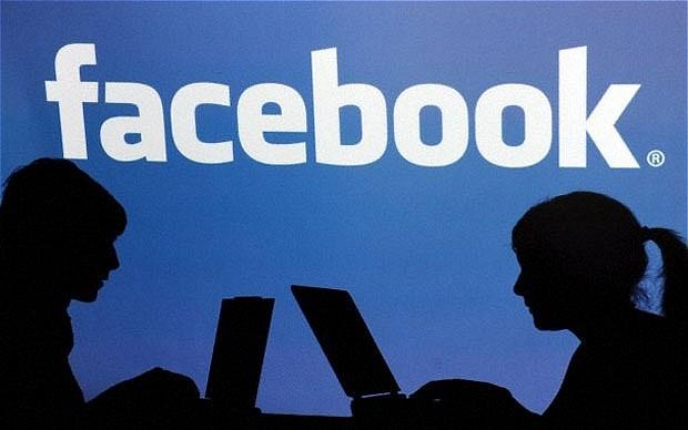 Mengganti Nama Facebook Dengan Aman