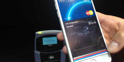 Antitrust Ue doppia indagine su Apple Pay e App Store
