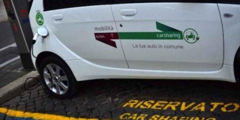 Smart city, in Italia 220 mila utilizzatori del car sharing