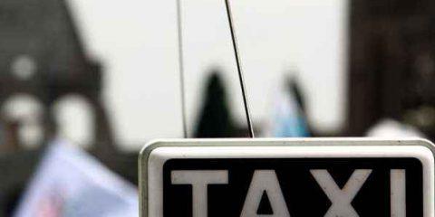 I taxi lanciano la loro app anti-Uber