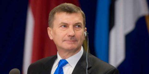 Cybersecurity, Andrus Ansip annuncia un nuovo piano Ue per settembre