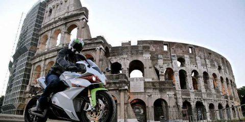 Smart mobility, italiana la prima motocicletta 100% elettrica