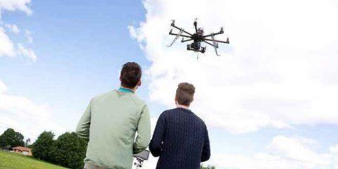 Il drone-ambulanza per il trasporto lampo del defibrillatore (Videonews)
