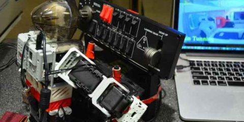 Robot-pilota d'aereo allo studio in Corea del Sud (Videonews)