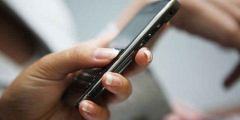 Sms in crisi ma restano la forma di comunicazione più efficace