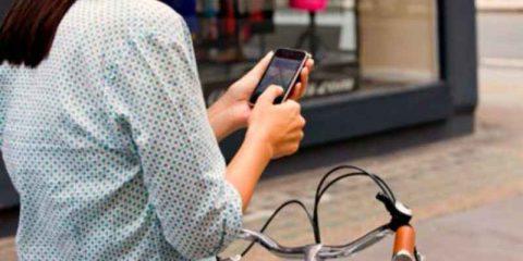Smart mobility, con i 'Km Voce' più pedali e più telefoni gratis