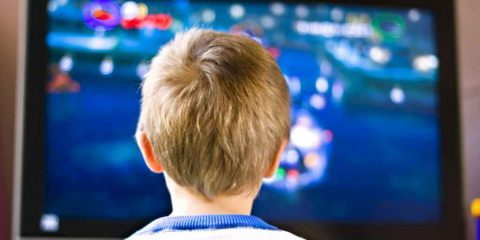 Spot&Social. I bambini crescono imitando gli adulti (video)