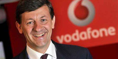 Vodafone tocca la ripresa in Europa, ma Colao avverte: 'Rischio di nuovi monopoli nel broadband'