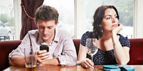 eJournalism. Paradosso smartphone: sempre connessi ma sempre più soli