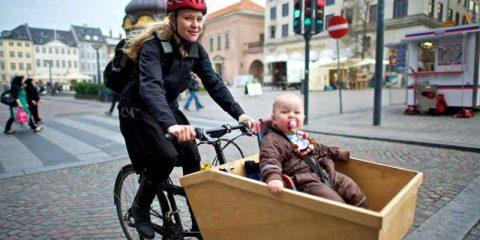 In bicicletta tra LED e sensori: Copenhagen città a 'emissioni zero' nel 2025