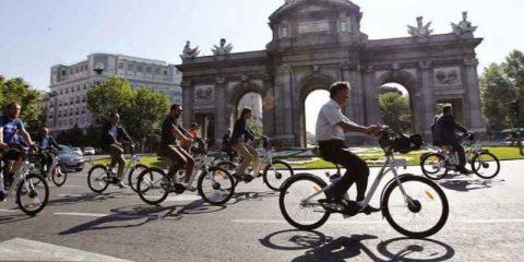 Smart mobility a Madrid: il sindaco Ana Botella, '25% di traffico in meno nel 2020 e 400 Km di piste ciclabili'
