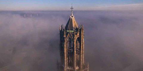 In volo sul Duomo di Utrecht (videonews)