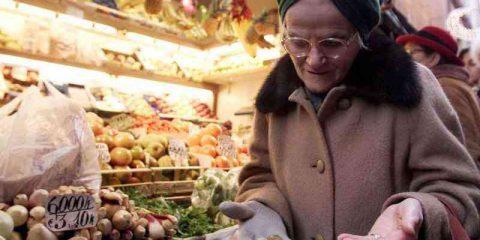 Pagamenti elettronici: Italia fanalino di coda Ue, ma crescono eCommerce e pagamenti mobili