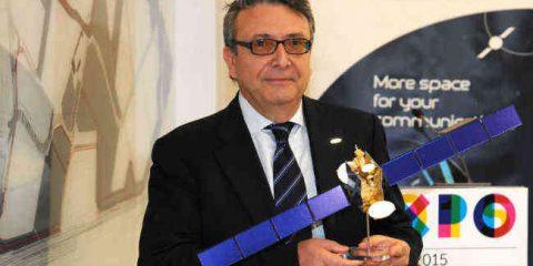 'Banda ultralarga, il satellite per lo sviluppo di Internet'. Intervista a Renato Farina (Eutelsat Italia)