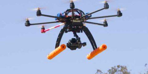 Droni, gli Usa provano a regolare i voli commerciali. La FAA gela Amazon