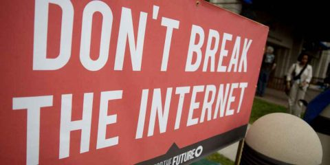 Net neutrality. Facebook, Google e startup Usa contro la retromarcia della Fcc