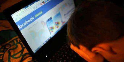 Cyberbullismo e web dipendenze: le famiglie alle prese con l'educazione digitale