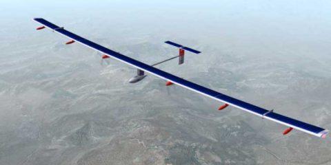 Solar Impulse 2: decollato per completare il giro del mondo