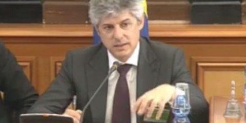 Marco Patuano: 'Telecom Italia non produrrà contenuti. Costa troppo' (video)