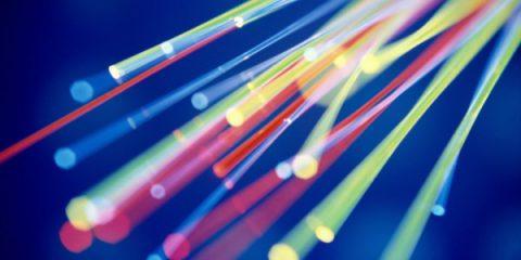 Causeries. Cabinet multioperatore: scelta saggia di Agcom per la fibra
