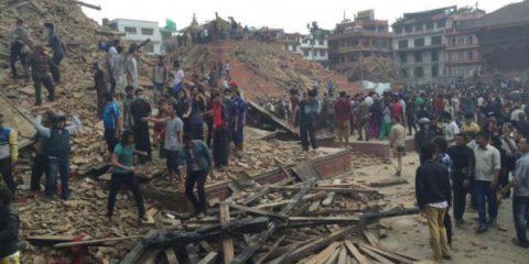 Terremoto in Nepal: i tool di Google e Facebook per contribuire alle ricerche