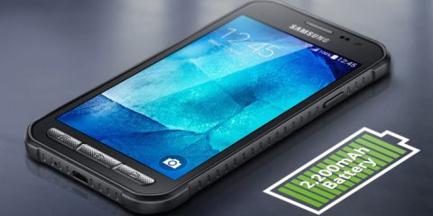 Cosa Compro. Samsung Xcover 3: lo smartphone 'indistruttibile' arriva in Italia