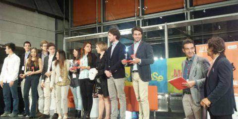 Fondazione Vodafone Italia, 300 mila euro per i 10 progetti finalisti di 'Think for social'