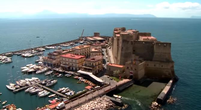 Napoli vista con l'occhio del drone