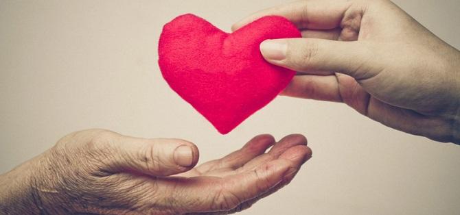 mani-cuore-1024x480