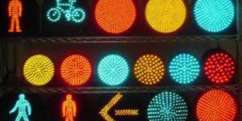 Smart mobility, a Roma i primi sensori per semafori high-tech