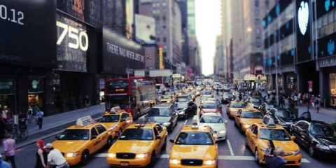 Smart mobility, New York lancia l'app 'Drive Smart' per ridurre incidenti e inquinamento