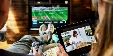 Tv, gli italiani la guardano più di tutti in Europa