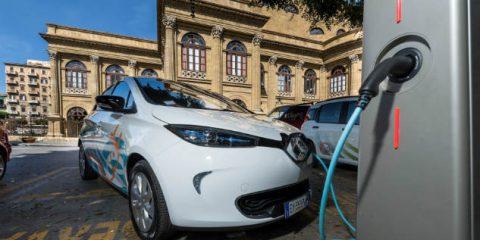 Smart mobility: a Palermo il car sharing si fa con l'auto elettrica