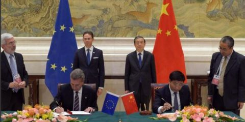 Banda larga: la Cina contribuirà al Piano Juncker da 315 miliardi