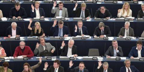 Pacchetto Telecom: la Ue dice addio alla net neutrality in cambio della fine del roaming?