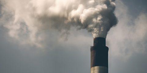 Carbone: consumo mondiale destinato a calare entro il 2020
