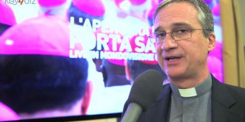 Il Vaticano 'benedice' il digitale: social e smartphone per trasmettere il Papa