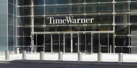 Apple tenta il colpo su Time Warner o è un bluff?
