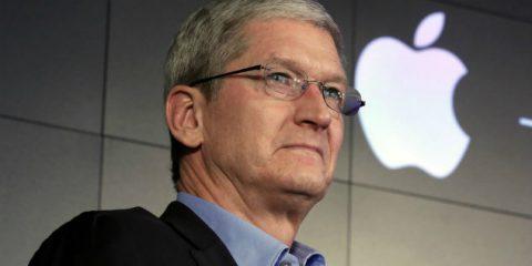 Web e Tasse, Apple rischia multa fino a 19 miliardi. Blitz di Cook a Bruxelles