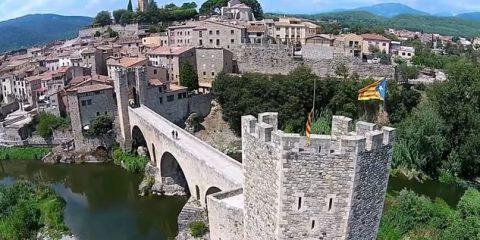 Video Droni. Passato e presente si incontrano a Girona (Catalogna) scrutati dal drone