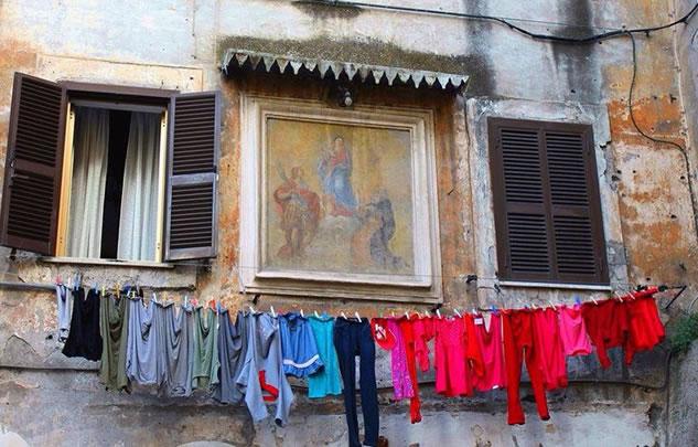 Napoli - Finestre connesse