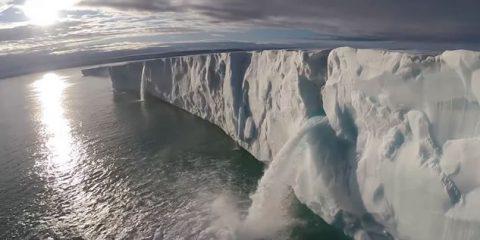 Video Droni. Il Grande Nord: le Svalbard (dove Zalone ha girato Quo Vado) viste dal drone