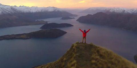 Video Droni. La Nuova Zelanda vista dal drone: Natura, mare, foreste e laghi e tanto verde accecante