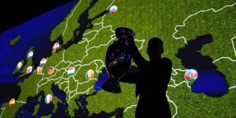 Oettinger alla FAZ: 'Europei di calcio 2020 banco di prova sul 5G'