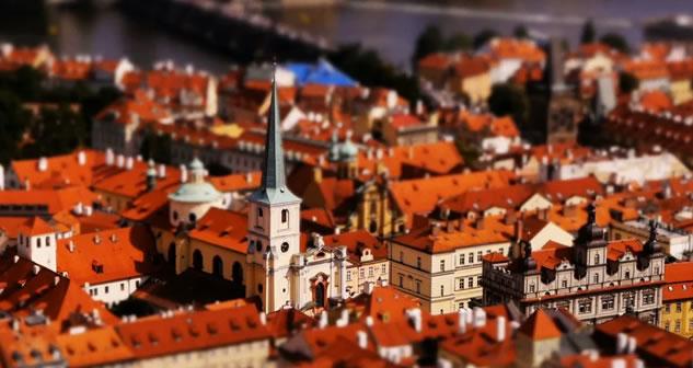 Praga elegante e colta, tra i fasti del passato (film-miniatura)