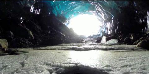 Video droni. Esclusivo: Caverne di ghiaccio viste dal drone