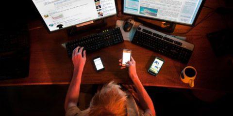 Causeries. Patologie da Internet, se il virtuale crea dipendenza