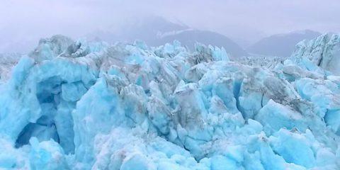 Video droni. Ghiacciai Blu: l'Alaska selvaggia vista dal drone