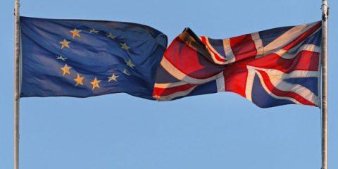Il Regno Unito si prepara per una 'No-deal Brexit', Catalogna, Stime al ribasso per la Francia nel 2019